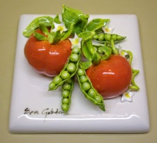 025_5_13_5-tile-vegetable-tomatoes-with-peas-in-the-pod-6-x-6